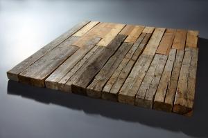 Ulrich Rückriem Holzskulptur aus 23 ausgelegten Balken, 1979, © Ulrich Rückriem © Foto: Baumann Fotostudio GmbH