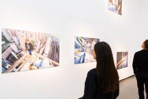 Ausstellungsansicht-On-the-Roofs Honkong-Japan-Europa-2013-2015 ©-NRW-Forum-Düsseldorf Foto-Andreas-Kuschner ALIMONIE