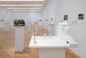 Isa Genzken Ausstellungsansicht Foto: David Ertl, 2016 Courtesy Galerie Buchholz Köln/Berlin/New York © VG Bild-Kunst, Bonn 2016
