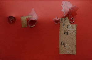 Alberto Burri, Rosso gobbo, 1953, Acry, Stoff und Vinavil auf Leinwand, Metallgestänge auf der Rückseite, 56.5 x 85 cm, Privatsammlung, Rom, © Fondazione Palazzo Albizzini Collezione Burri, Città di Castello/ VG Bild-Kunst, Bonn 2016