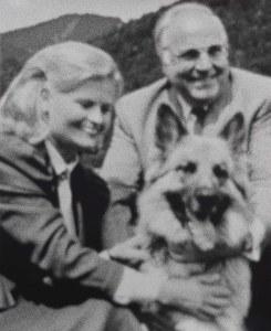 Jan Paul Evers, Ehepaar mit Hund, 2012, Silbergelatine-Abzug, 75,5 x 61,5 cm, Unikat, Copyright: Jan Paul Evers; Courtesy Galerie Max Mayer, Düsseldorf