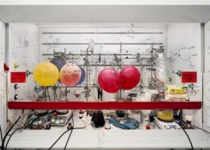 Chemistry Fume Cabinet, The University of Edinburgh 2010 Inkjet Print, 120,5 x 166,0 cm © Thomas Struth