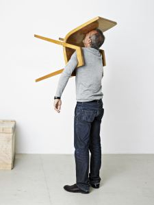 Museum-Berlin_Erwin-Wurm_The-Idiot-III_1MB