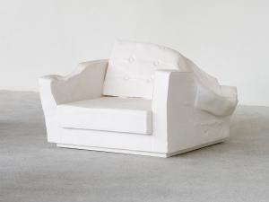 Museum-Berlin_Erwin-Wurm_Triple_Seat_Dez_2015_7MB