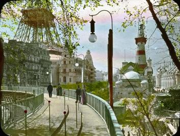 Paris_Exposition_moving_sidewalk,_Paris,_France,_1900_-_S03_06_01_014_image_9893